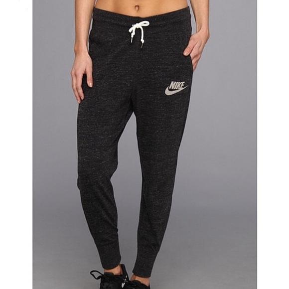 4ae67f2cd0f64 Nike Sportswear Black Gym Vintage Pant, Medium. M_5a73651e00450f9febe4afd6
